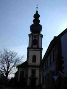 Frontalansicht Kirche von der Krummmen Gaß